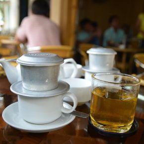 768px-Saigon_cafe_filtre_01